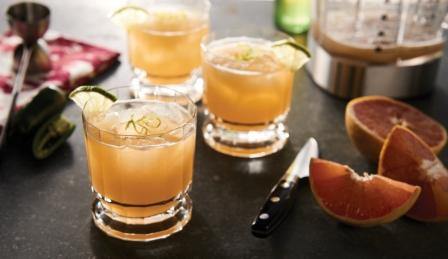 image of blended Margaritas and blender container