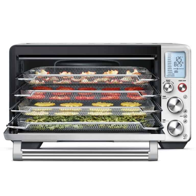 image of the larger interior oven space in the Breville Smart Oven AIr Fry Oven